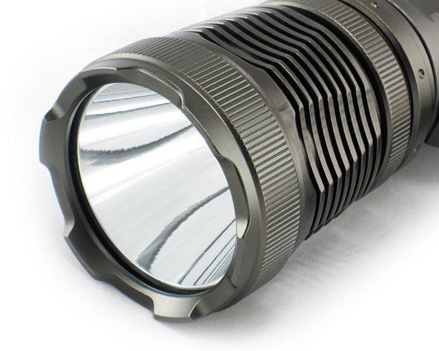 >> tm-8005 探照强光手电   【电池型号】:3节18650原装锂电,充放电